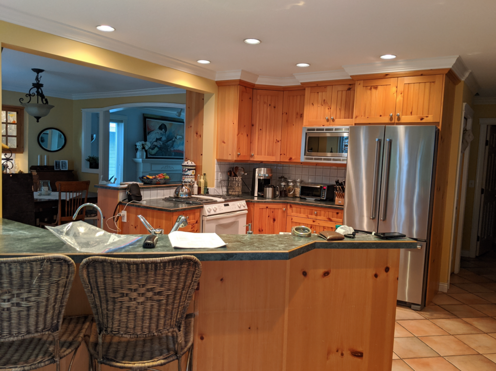 Outdated kitchen before being redesigned.